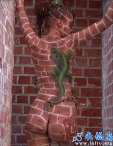 人与墙壁的结合