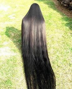据说她是世界上头发最长的女人!这要是半夜披头散发上街,不知会吓死多少人!