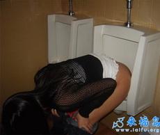女厕不够用的时候……