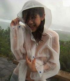 约女神出来结果被淋湿了,我都不好意思了!