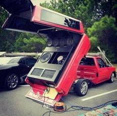 狂热音乐爱好者的车