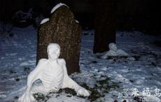 这雪人也太吓人了吧