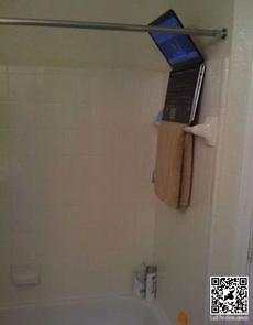 泡澡也可以看電視了