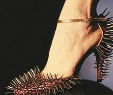 史上最凶猛高跟鞋