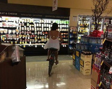 女汉子是怎么逛超市的