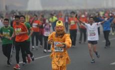 猴哥也來跑馬拉松啦?