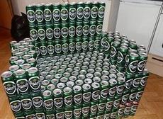 朋友說請我喝酒,一進門我就嚇尿了