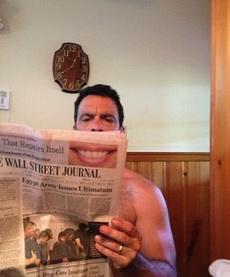 艾玛,大哥咱还是换张报纸看吧