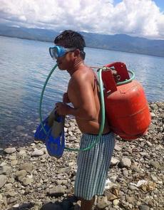 自制潛水器,真是酷炫狂拽屌炸天