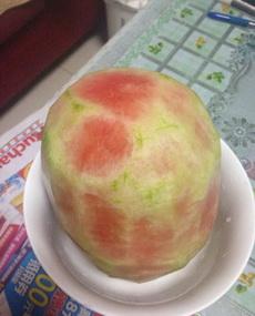 我好心给我妈妈削了一个水果,我妈却骂我走火入魔?