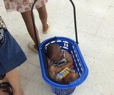 娃子是买饮料赠的么?