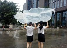 有了桌布,再也不怕临时雨