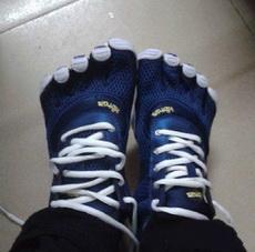 室友新买的鞋,看着就好流弊的样子