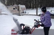 好别致的铲雪机器啊!!!