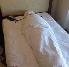 离开酒店就应该这样收拾床单,醉了