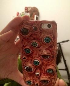 这手机拿出来要吓死人
