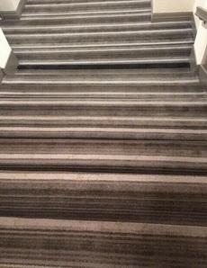 楼梯选用这种地毯简直逼死人!