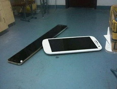 iPhone20和三星的galaxy23到货了
