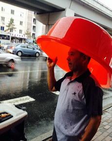 下雨了,這也是個招啊。