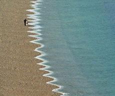 大海的裙边~也有颗小公举心