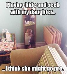 跟女儿玩捉迷藏,突然不是很想玩下去