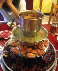 火鍋、燒烤、湯鍋、蒸肉,四合一了
