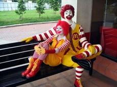 麦当劳叔叔也谈恋爱了