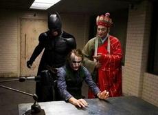 施主,听贫僧一句劝,快和蝙蝠大哥和好吧!
