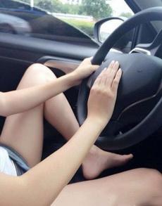女司机你能好好的开车么