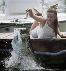 你这钓鱼技术哪儿学的?!