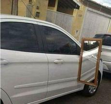 倒车镜坏了,只能拿家里的代替一下