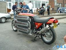 这样的摩托车开起来绝对爽