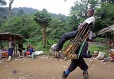 非洲的有錢人都是坐這個