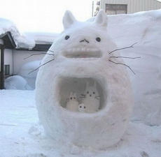 La adorable familia de nieve.