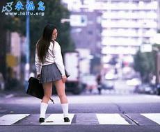 日本女人在光天化日之下