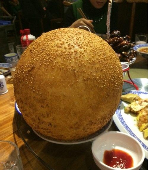 谁吃过这么大的麻球?[奇闻怪事]