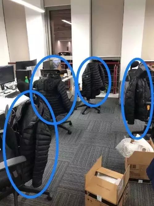 程序员除了格子衬衫,冬天果然也是高度的相同[dafa888手机版]