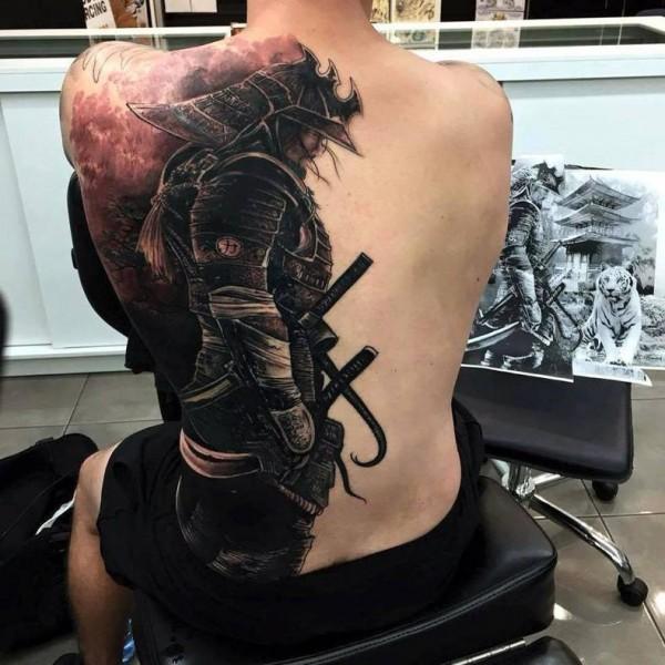 这纹身厉害了